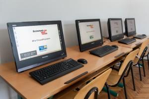 Doua Centre United Way din Romania beneficiaza de echipamente Lenovo