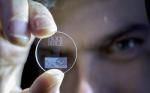 Un disc din cuartz pe care incape 360TB