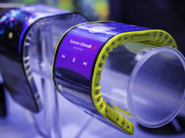 Concept Lenovo telefon si tableta cu ecran flexibil