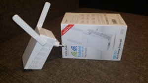 Unboxing si scurt review Range Extender TP-Link RE210
