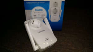 Unboxing si scurt review Range Extender Linksys RE6700 (AC1200)