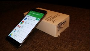 Samsung Galaxy J7 2016 Unboxing