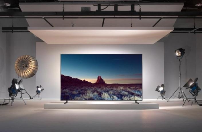 Primul televizor Samsung Real 8K ce include functia 8K AI Upscaling pentru QLED 8K-1