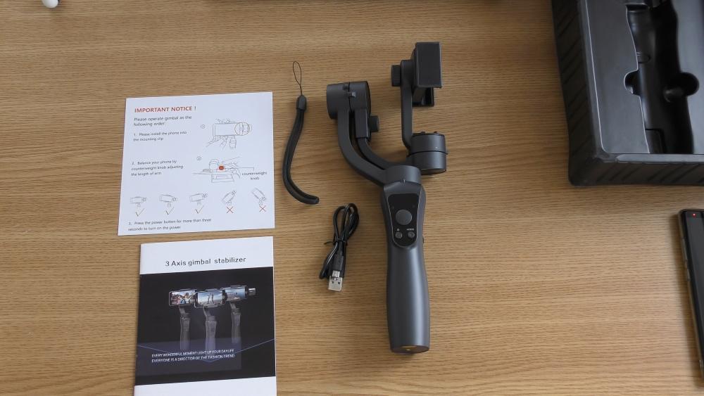 Review Stabilizator Gimbal HS-S5 cu 3 axe pentru telefon