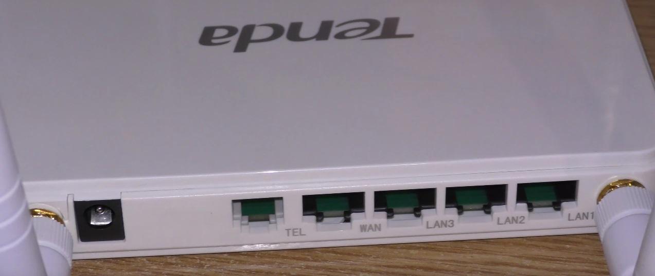 Review Router Tenda N300 4G680 cu port pentru sim 4G LTE si VoLTE (testat cu Vodafone si DIGI)-porturi2