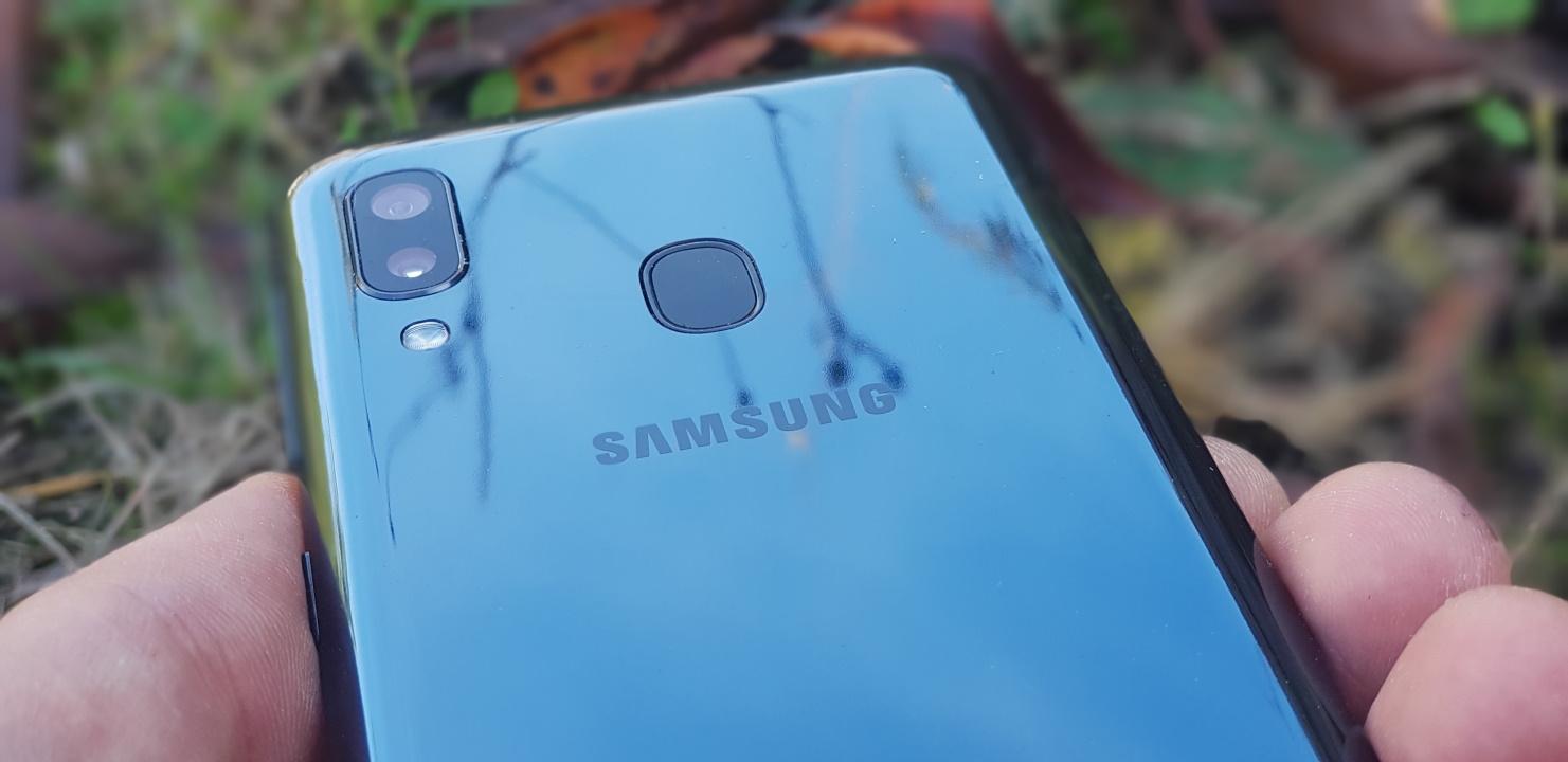 Samsung Galaxy A20e - merita sa-ti cumperi un telefon low budget pana in 600 de lei spate