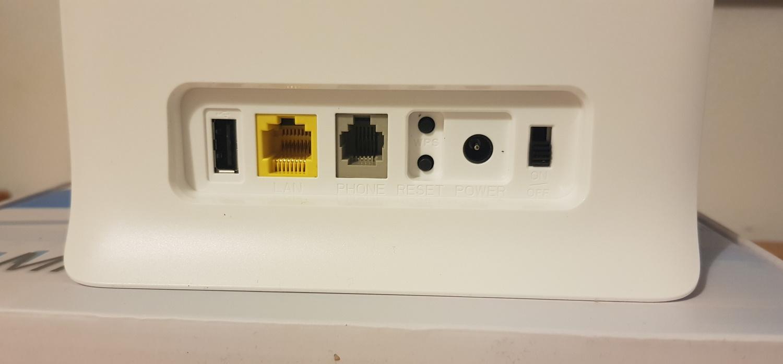 Router 4G ZTE MF255V, cu internet fix prin 4G de la Vodafone-conectori1