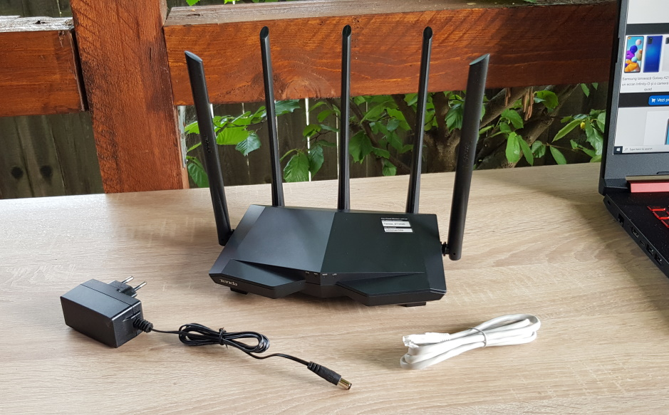 Am testat routerul dual band Tenda AC7 (AC1200) cu 5 antene-1