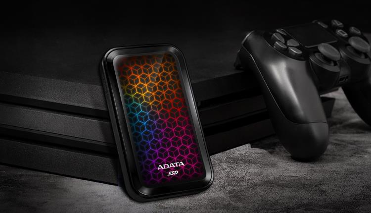 ADATA lansează SSD-ul extern SE770G cu iluminare RGB si cu viteze de citire/scriere de până la 1000/800 MB/s